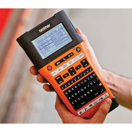BROTHER Cimkenyomtató PT-E550WVP, kézi (ipari), QWERTY billentyűzet, TZe szalag: 3,5-24mm, tölthető akku, hordtáskával